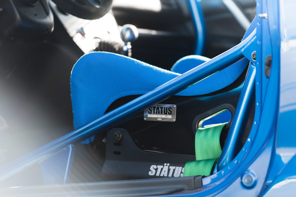 EP3 blue Honda Civic interior Status seats brackets harness roll bar Super Street magazine